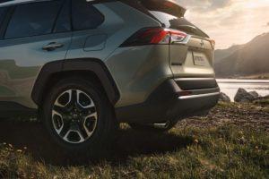 トヨタ新型RAV4の評価・口コミをチェック